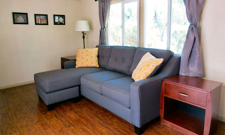 Shoshone Vacation Rentals living room