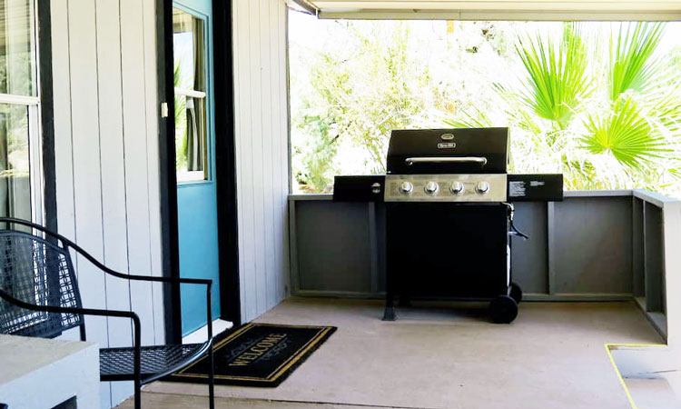 Shoshone Vacation Rentals grill